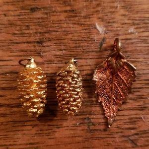 Set of 3 Mini Gold/Bronze Dipped Pinecones & Leaf